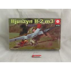 MODEL -SAMOLOTU ILIUSZYN IŁ-2M3